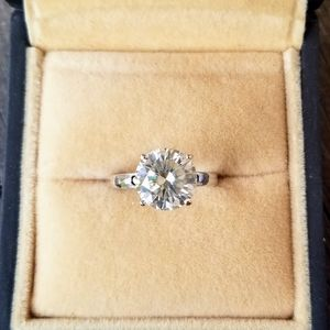Jewelry - 4ct Colourless DEF Moissanite Sterling Silver 925